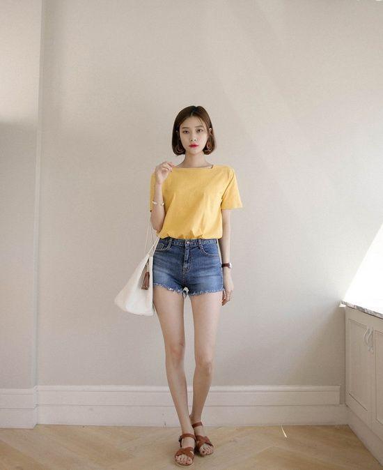 矮个女生显高穿衣法 短裤短T穿出长腿